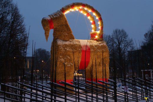 Płonący symbol szwedzkich świąt